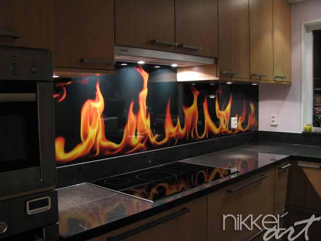 k chenr ckwand foto glas flamme. Black Bedroom Furniture Sets. Home Design Ideas