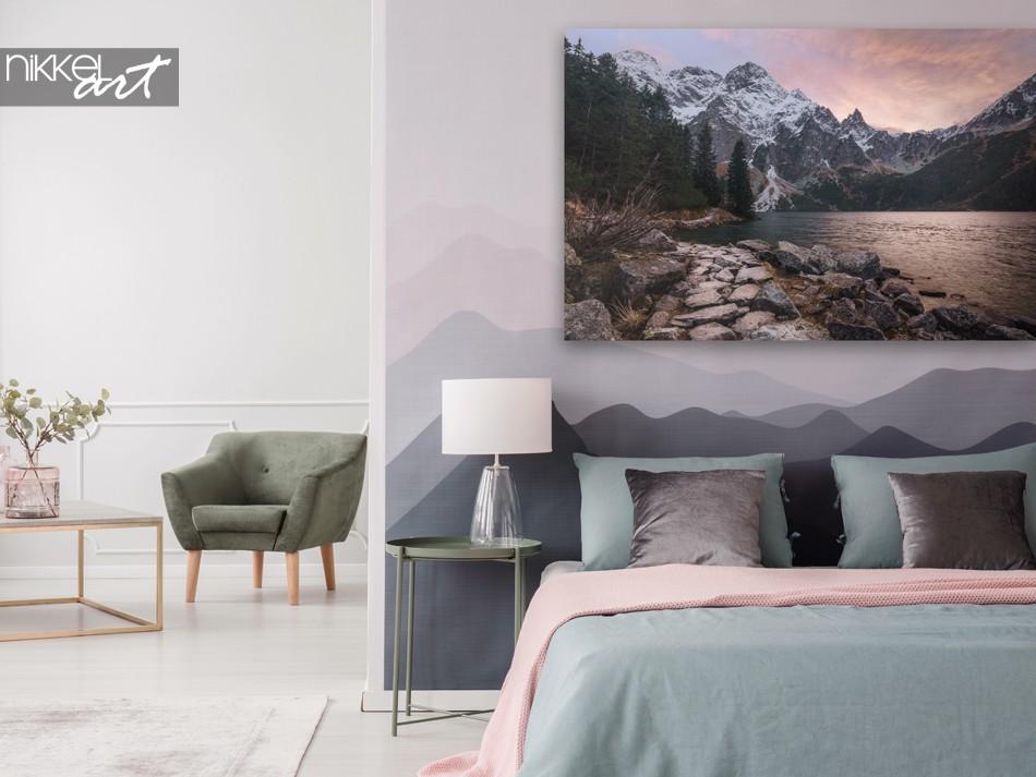 Schlafzimmer mit Leinwand Träumerische Berge bei Sonnenuntergang